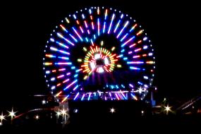 The Artist Behind a Ferris-Wheel's Lights